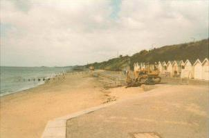 1984 Cliff Road after groyne repairs and beach replenishment