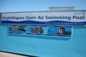Brightlingsea open air swimming pool tendring district council for Swimming pools open today near me