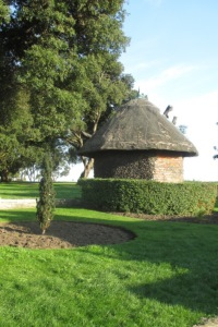 Thatched Cottage Cliff Park
